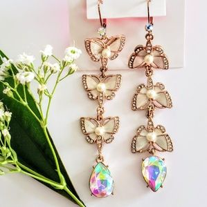 BETSEY JOHNSON earring